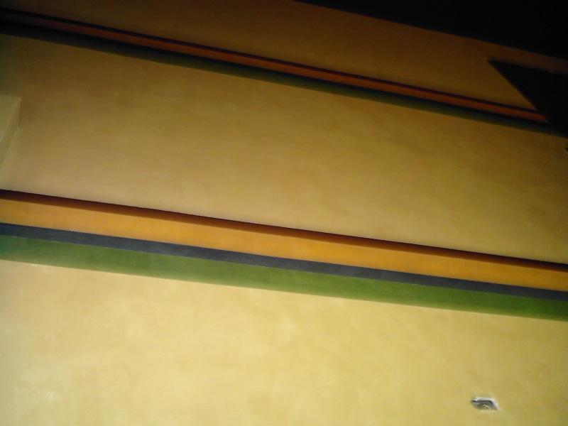 Top_2_stripes