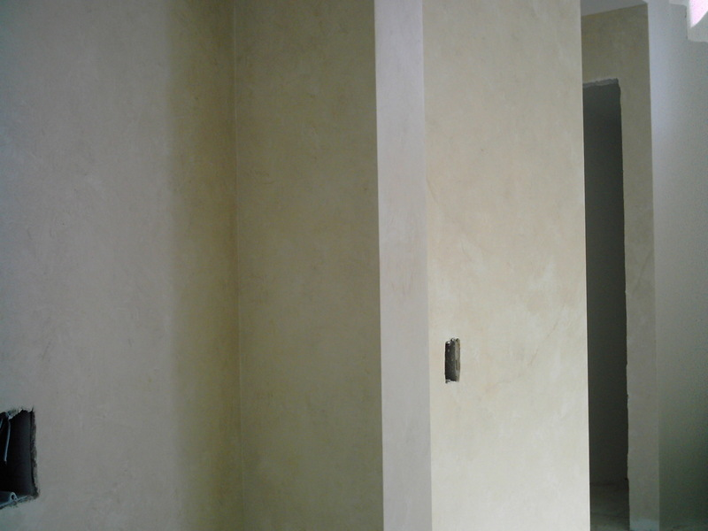 Door_from_hall_to_kit