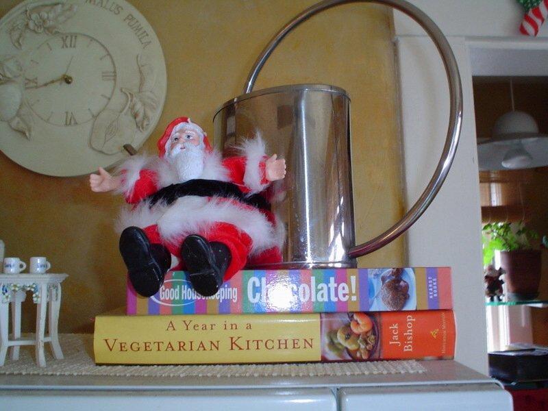Kitchen_santa