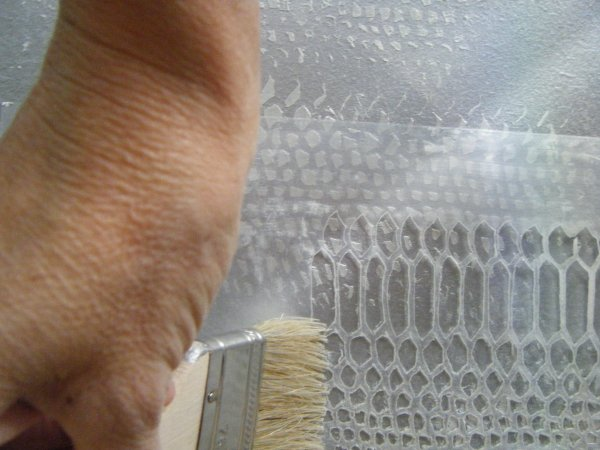 Stencil:crepey hand