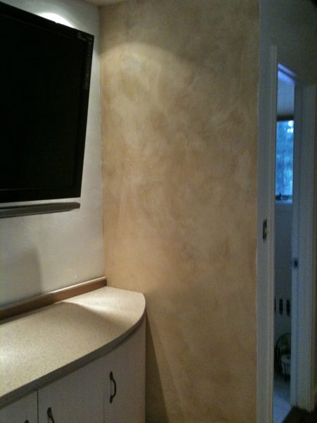 Tv corner wall b4